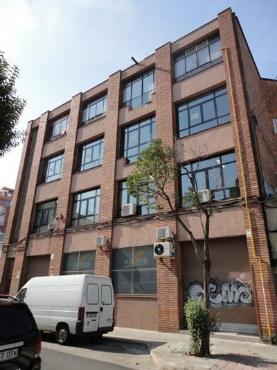 Fusteria de façana C/. Salamina, nº 37-41 (Hospitalet de Llobregat)