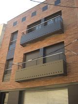 Edifici de habitatges al Carrer de Rafael de Casanovas, nº 56 (Sant Vicenç dels Horts)
