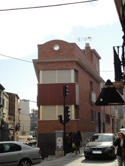 Edifici unifamiliar al Carrer de Rafael de Casanovas, nº 1 (Sant Vicenç dels Horts)