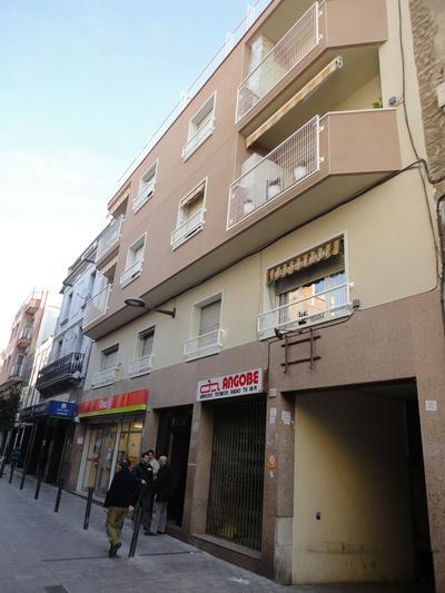 Façana al C/. Pareto, nº 11 (Hospitalet de Llobregat)