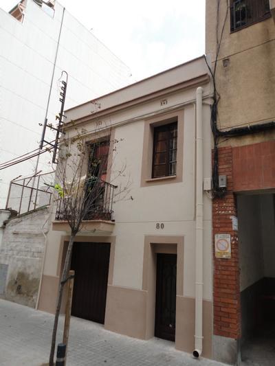 Façana al C/. Independència, nº 80 (Hospitalet de Llobregat)